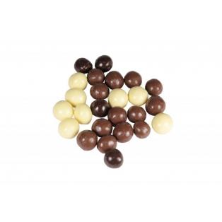 Metsapähkel valges šokolaadis
